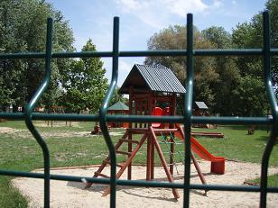 játszótér kerítés